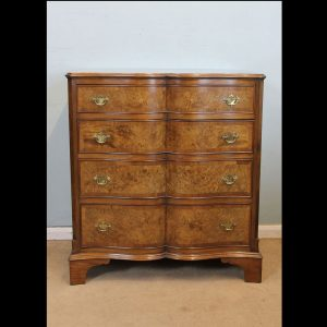 Antique Burr Walnut Chest of Drawers.