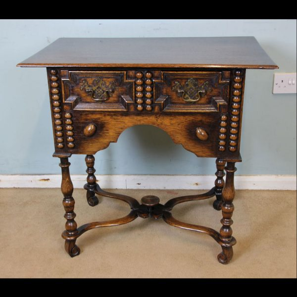 Antique Oak Side Table / Occasional / Lamp Table.